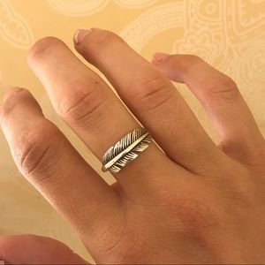 NWOT! Sterling silver feather ring